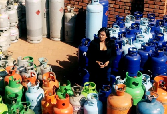 Devi on the Gas Catastrophe
